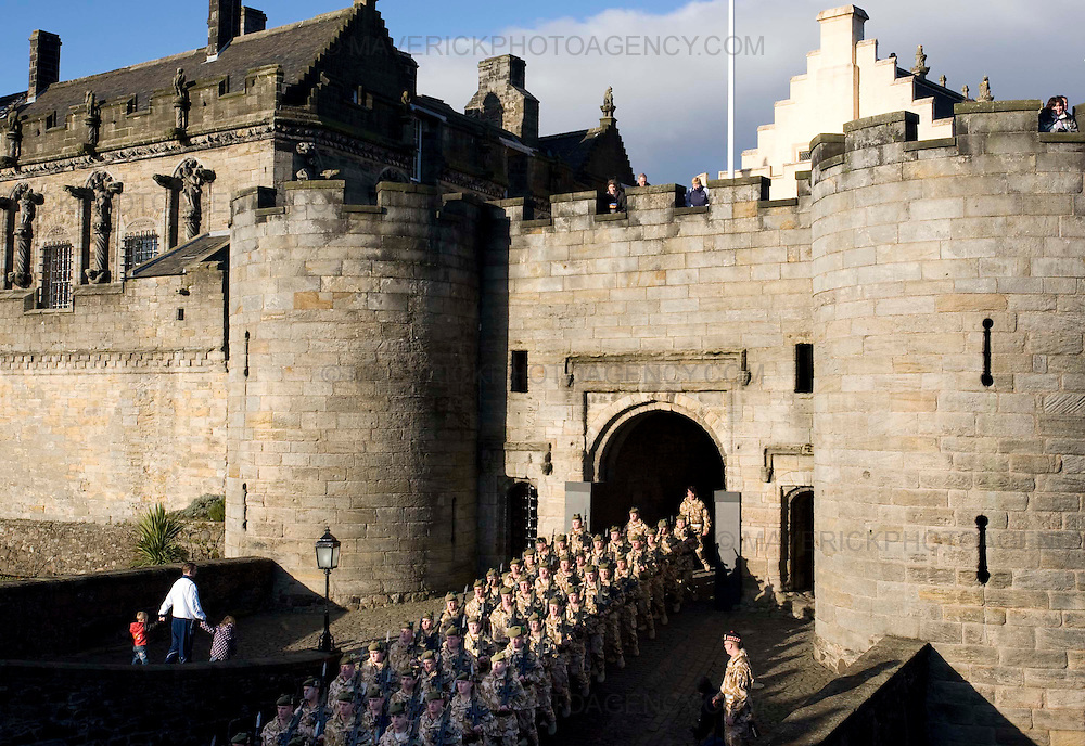 The Argyll and Sutherland Highlanders march through Stirling Castle for there homecoming from Afghanistan..10/12/2008.Picture Michael Hughes/Maverick