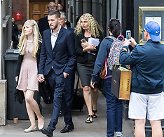 2017-07-24 Charlie Gard's parents arrive at the High Court in London