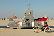 Burners are so creative and intelligent. Have you ever seen a boat style rudder as a handlebar for a bike? I certainly haven't. Super great idea for a trike.