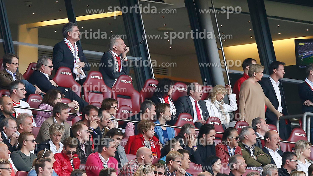 29.03.2014, Mercedes Benz Arena, Stuttgart, GER, 1. FBL, VfB Stuttgart vs Borussia Dortmund, 28. Runde, im Bild Bernd Wahler (VfB Stuttgart, Praesident), Fredi Bobic (VfB Stuttgart, Vorstand Sport) // during the German Bundesliga 28th round match between VfB Stuttgart and Borussia Dortmund at the Mercedes Benz Arena in Stuttgart, Germany on 2014/03/29. EXPA Pictures &copy; 2014, PhotoCredit: EXPA/ Eibner-Pressefoto/ BW-Foto<br /> <br /> *****ATTENTION - OUT of GER*****