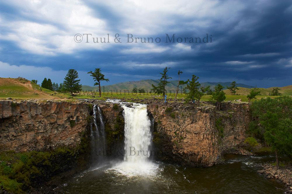 Mongolie, Province de Ovorkhangai, Vallee de l'Orkhon, chute de l Orkhon // Mongolia, Ovorkhangai province, Orkhon valley, Orkhon waterfall