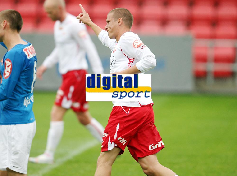 Fotball ,  22. juni 2008 , Privatkamp , Fredrikstad - Lyn<br />  Patrik Gerrbrand , FFK har scoret