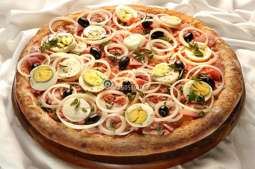 "Pizza portuguesa // The ""Portuguesa"" pizza is a brazilian flavor invented by the portuguese imigrants. It has, ham, eggs, onions and olives. 2003"