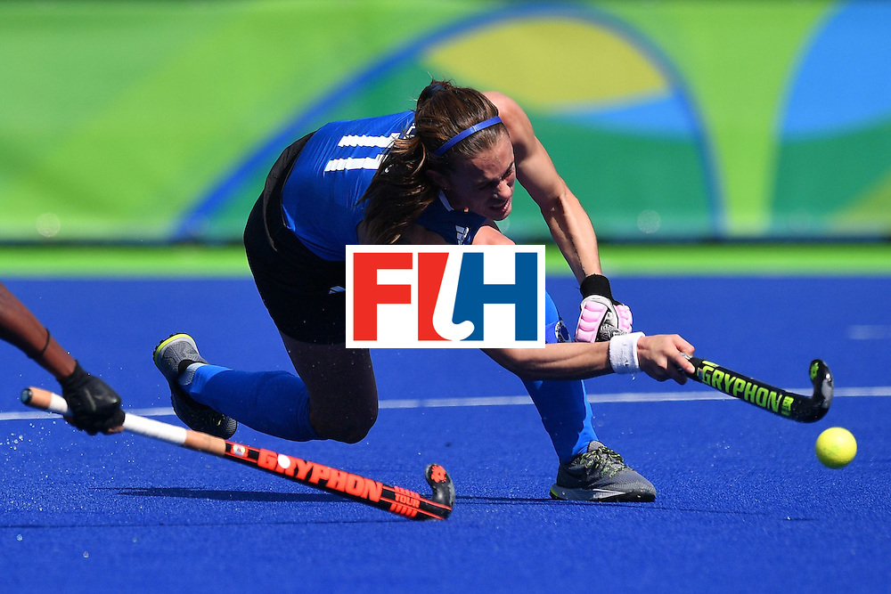 Argentina's Carla Rebecchi shoots during the women's field hockey Argentina vs India match of the Rio 2016 Olympics Games at the Olympic Hockey Centre in Rio de Janeiro on August, 13 2016. / AFP / Carl DE SOUZA        (Photo credit should read CARL DE SOUZA/AFP/Getty Images)