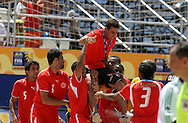 Footbal-FIFA Beach Soccer World Cup 2006 -BHR x NGA - Players load the coach Gustavo Zlocewick- Rio de Janeiro, Brazil - 01/11/2006.<br />