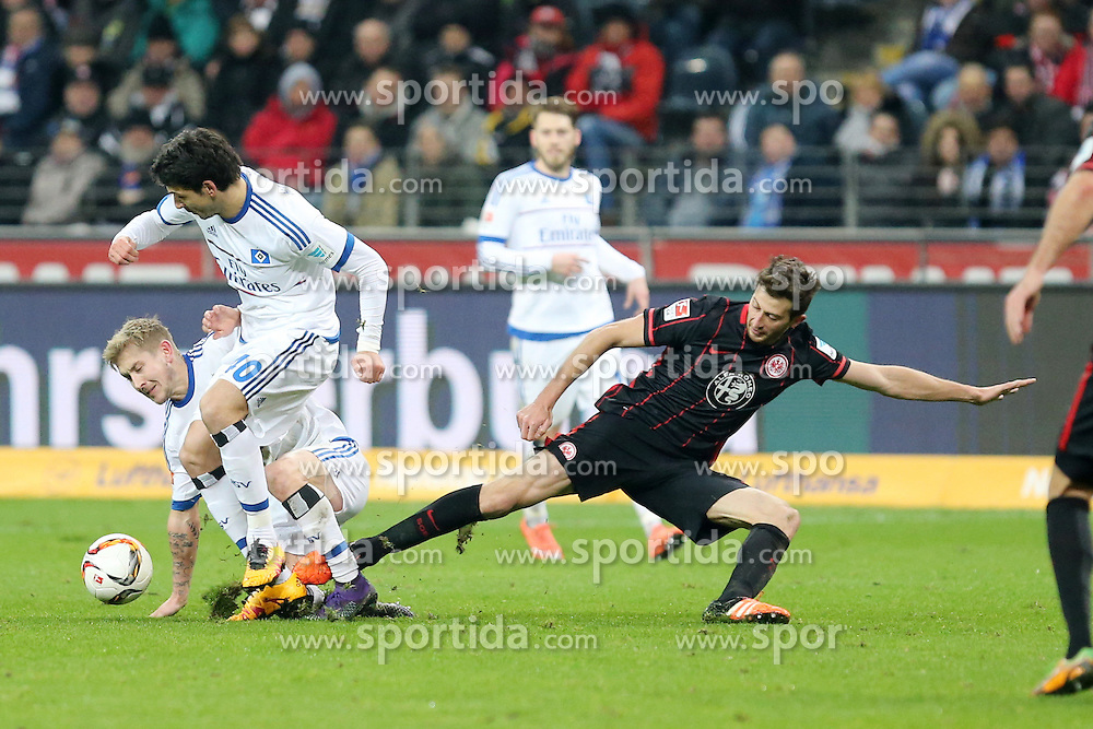 19.02.2016, Commerzbank Arena, Frankfurt, GER, 2. FBL, Eintracht Frankfurt vs Hamburger SV, 22. Runde, im Bild David Abraham (Frankfurt) verliert gegen Gojko Kacar (Hamburg) und Lewis Holtby (Hamburg) den Ball, Eintracht Frankfurt - Hamburger SV, 22. Spieltag, Saison 2015/2016 // during the 2nd German Bundesliga 22nd round match between Eintracht Frankfurt vs Hamburger SV at the Commerzbank Arena in Frankfurt, Germany on 2016/02/19. EXPA Pictures © 2016, PhotoCredit: EXPA/ Eibner-Pressefoto/ Roskaritz<br /> <br /> *****ATTENTION - OUT of GER*****
