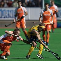 MELBOURNE - Champions Trophy men 2012<br /> Finale<br /> Final<br /> Australia v Netherlands<br /> foto: Bob d Voogd and Matthew Swann.<br /> FFU PRESS AGENCY COPYRIGHT FRANK UIJLENBROEK