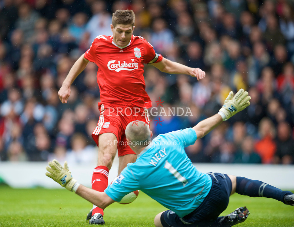 WEST BROMWICH, ENGLAND - Sunday, May 17, 2009: Liverpool's captain Steven Gerrard MBE scores the opening goal against West Bromwich Albion's Dean Kiely during the Premiership match at the Hawthorns. (Photo by David Rawcliffe/Propaganda)
