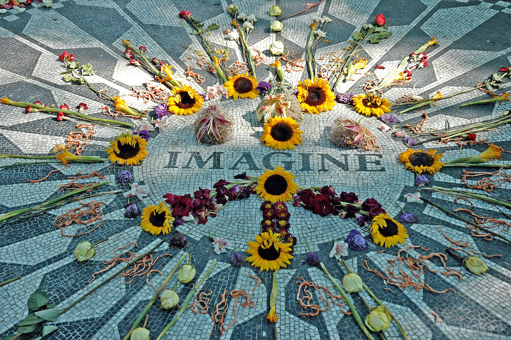 Imagine mosaic, Strawberry Fields