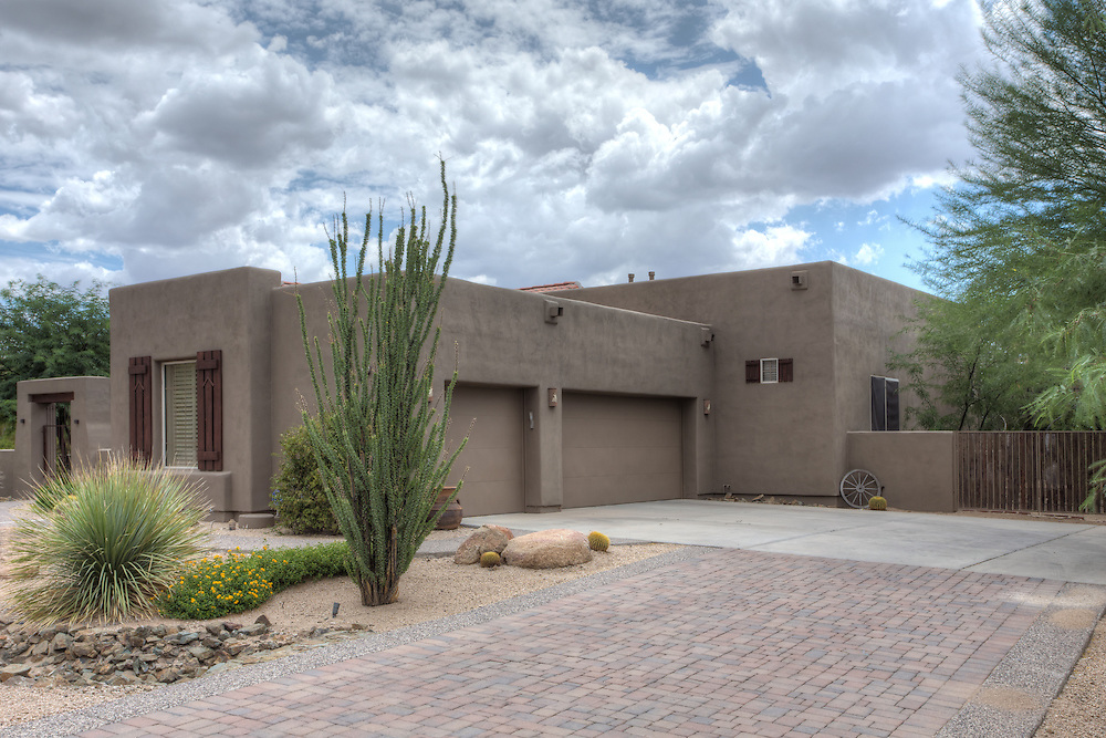 Pinnacle Peak real estate photography, front of the home