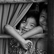Vietnam Images-Children living in mekong delta . hoàng thế nhiệm hoàng thế nhiệm hoàng thế nhiệm