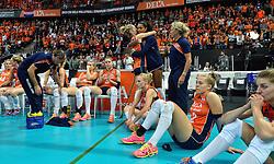 04-10-2015 NED: Volleyball European Championship Final Nederland - Rusland, Rotterdam<br /> Nederland verliest kansloos de finale met 3-0 van Rusland en moet genoegen nemen met zilver / Teleurstelling bij het Nederlands tean na de verloren finale met Kirsten Knip #1, Yvon Belien #3, Maret Balkestein-Grothues #6, Celeste Plak #4, Judith Pietersen #8, Femke Stoltenborg #2, Anne Buijs #11