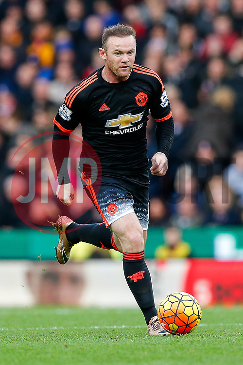 Wayne Rooney of Manchester United in action - Mandatory byline: Rogan Thomson/JMP - 26/12/2015 - FOOTBALL - Britannia Stadium - Stoke, England - Stoke City v Manchester United - Barclays Premier League - Boxing Day Fixture.
