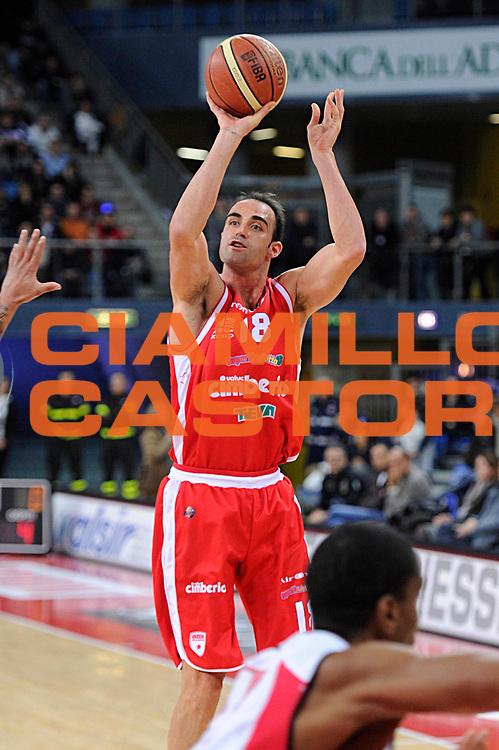 DESCRIZIONE : Pesaro Lega A 2011-12 Scavolini Siviglia Pesaro Cimberio Varese<br /> GIOCATORE : Diego Fajardo<br /> CATEGORIA : tiro penetrazione<br /> SQUADRA : Cimberio Varese<br /> EVENTO : Campionato Lega A 2011-2012<br /> GARA : Scavolini Siviglia Pesaro Cimberio Varese<br /> DATA : 27/12/2011<br /> SPORT : Pallacanestro<br /> AUTORE : Agenzia Ciamillo-Castoria/C.De Massis<br /> Galleria : Lega Basket A 2011-2012<br /> Fotonotizia : Pesaro Lega A 2011-12 Scavolini Siviglia Pesaro Cimberio Varese<br /> Predefinita :