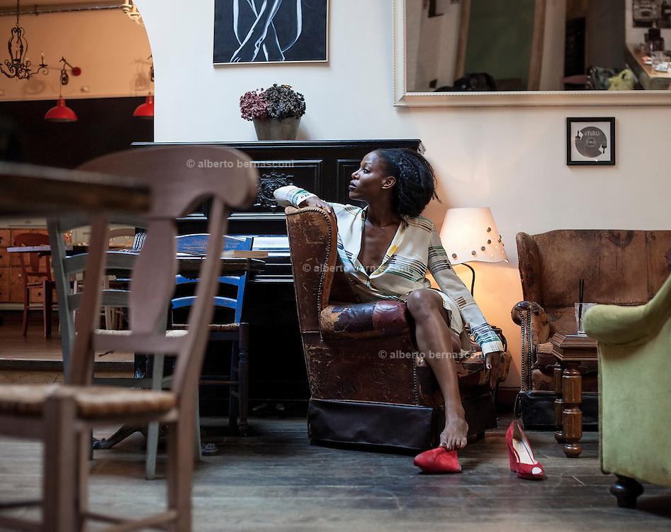 Rome, the writer Taiye Selasi, Etablì bar