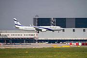 EL AL Israel Airlines, Boeing 737-958(ER) (4X-EHE) at Malpensa (MXP / LIMC), Milan, Italy