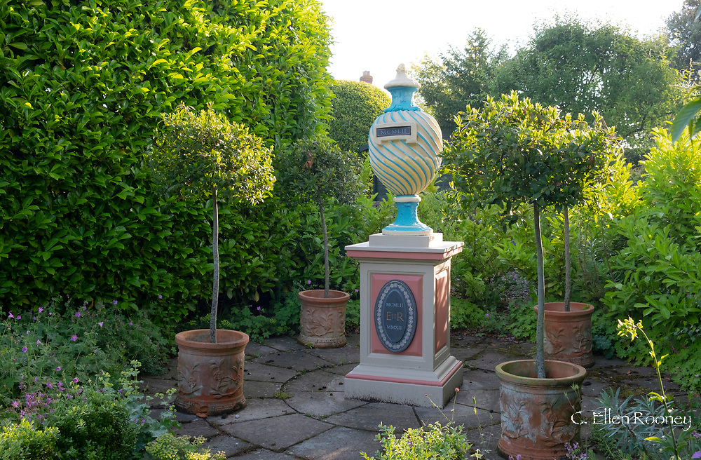 The Diamond Jubilee Urn to mark the reign of Elizabeth II painted in Pop Art colours at the Laskett Gardens, Much Birch, Herefordshire, UK