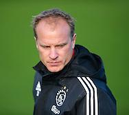 AMSTERDAM - training Ajax op De Toekomst Frank de Boer en Dennis Bergkamp 18-12-2015 COPYRIGHT ROBIN UTRECHT