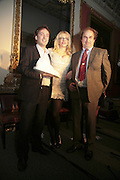 THE WINNER OF THE PRIZE: IAIN HOLLINGSHEAD (FOR PASSAGES IN  HIS BOOK TWENTY SOMETHING) COURTNEY LOVE AND ALEXANDER WAUGH. Literary Review's Bad Sex In Fiction Prize.  In & Out Club (The Naval & Military Club), 4 St James's Square, London, SW1, 29 November 2006. <br />Ceremony honouring author who writes about sex in a 'redundant, perfunctory, unconvincing and embarrassing way'. ONE TIME USE ONLY - DO NOT ARCHIVE  © Copyright Photograph by Dafydd Jones 248 CLAPHAM PARK RD. LONDON SW90PZ.  Tel 020 7733 0108 www.dafjones.com