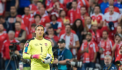 19.06.2016, Stade Pierre Mauroy, Lille, FRA, UEFA Euro, Frankreich, Schweiz vs Frankreich, Gruppe A, im Bild Yann Sommer (SUI) // Yann Sommer (SUI) during Group A match between Switzerland and France of the UEFA EURO 2016 France at the Stade Pierre Mauroy in Lille, France on 2016/06/19. EXPA Pictures © 2016, PhotoCredit: EXPA/ JFK