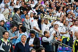 A Real Madrid fan holds up a Zidane scarf - Mandatory byline: Rogan Thomson/JMP - 04/05/2016 - FOOTBALL - Santiago Bernabeu Stadium - Madrid, Spain - Real Madrid v Manchester City - UEFA Champions League Semi Finals: Second Leg.