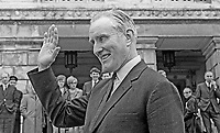 Major James Chichester-Clark, waves to supporters after being chosen as leader of the Ulster Unionist Party in May 1969. As party leader he automatically became Prime Minister in the N Ireland Parliament at Stormont. Created life peer in July 1971 he took the title Lord Moyola. He died on 17 May 2002 at the age of 79; he was the last surviving Prime Minister of Northern Ireland. 196905000185<br /> <br /> Copyright Image from Victor Patterson, 54 Dorchester Park, Belfast, UK, BT9 6RJ<br /> <br /> t1: +44 28 9066 1296<br /> t2: +44 28 9002 2446<br /> m: +44 7802 353836<br /> <br /> e1: victorpatterson@me.com<br /> e2: victorpatterson@gmail.com<br /> <br /> IMPORTANT: My Terms and Conditions of Business are at www.victorpatterson.com