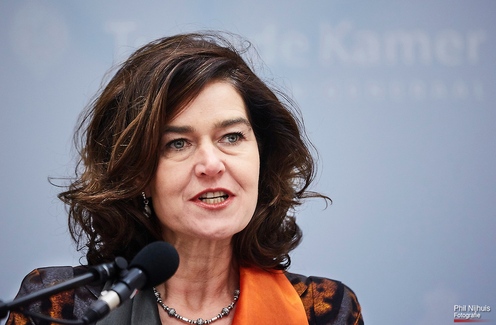 Den Haag, 12 december 2015 - Tweede Kamervoorzitter Anouchka van Miltenburg tijdens de persconferentie waar ze bekend maakte dat ze opstapt als Kamervoorzitter.<br /> Foto: Phil Nijhuis