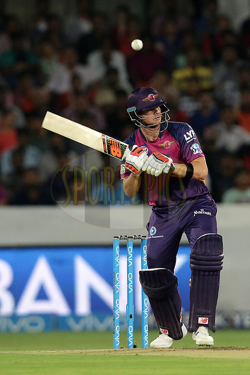 Steven Smith of Rising Pune Supergiants  during match 22 of the Vivo IPL 2016 (Indian Premier League ) between the Sunrisers Hyderabad and the Rising Pune Supergiants held at the Rajiv Gandhi Intl. Cricket Stadium, Hyderabad on the 26th April 2016<br /> <br /> Photo by Rahul Gulati / IPL/ SPORTZPICS
