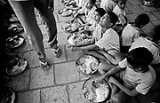 May 1991, India, Bombay, dongri institute for streetchildren, eating, sheet n°16 © ISABELLA BALENA www.isabellabalena.com