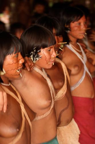 Black women dancing naked