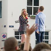 NLD/Amersfoort/20180621 - Sterren Muziekfeest op het Plein 2018, Monique Smit en Wesley Klein