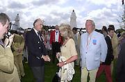 Ronald Ferguson and Jilly and Leo Cooper.    Cartier International Polo 2000. Smiths Lawn.  31/7/00<br />© Copyright Photograph by Dafydd Jones 66 Stockwell Park Rd. London SW9 0DA Tel 020 7733 0108 www.dafjones.com