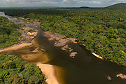 Essequibo River<br /> Iwokrama<br /> Rupununi<br /> GUYANA<br /> South America<br /> Longest river in Guyana