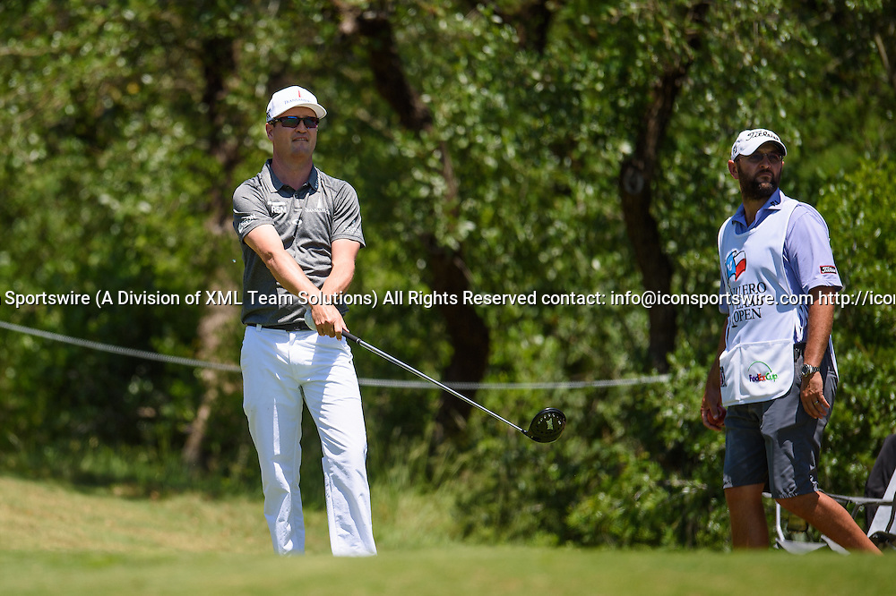 21 April 2016:  Zach Johnson during the first round of the Valero Texas Open at the TPC San Antonio Oaks Course in San Antonio, TX. (Photo by Daniel Dunn/Icon Sportswire)