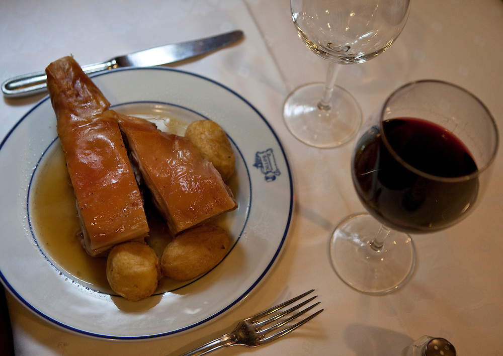 Tradtional roasted pig at casa Bot´in in Madrid, Spain-