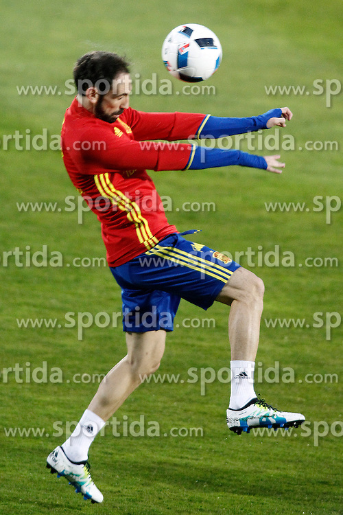 21.03.2016, Ciudad del Futbol de Las Rozas, Madrid, ESP, RFEF, Training spanische Fu&szlig;ballnationalmannschaft, im Bild Spain's Juanfran Torres // during a practice session of spanish national football Team at the Ciudad del Futbol de Las Rozas in Madrid, Spain on 2016/03/21. EXPA Pictures &copy; 2016, PhotoCredit: EXPA/ Alterphotos/ Acero<br /> <br /> *****ATTENTION - OUT of ESP, SUI*****