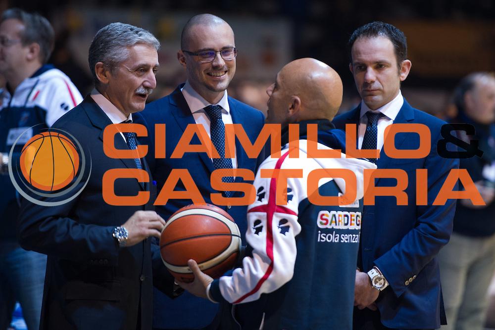 DESCRIZIONE : Caserta Lega A 2015-16 Pasta Reggia Caserta Banco di Sardegna Sassari<br /> GIOCATORE : Marco Calvani<br /> CATEGORIA : allenatore coach pregame esultanza<br /> SQUADRA : Banco di Sardegna Sassari<br /> EVENTO : Campionato Lega A 2015-2016<br /> GARA : Pasta Reggia Caserta Banco di Sardegna Sassari<br /> DATA : 13/12/2015<br /> SPORT : Pallacanestro <br /> AUTORE : Agenzia Ciamillo-Castoria/G.Masi<br /> Galleria : Lega Basket A 2015-2016<br /> Fotonotizia : Caserta Lega A 2015-16 Pasta Reggia Caserta Banco di Sardegna Sassari