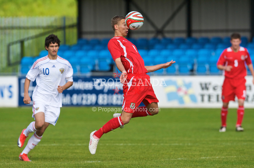 HAVERFORDWEST, WALES - Saturday, October 3, 2009: Wales' Kurtis March in action against Russia during the UEFA Under-17 Championship Qualifying Round Group 12 match at Bridge Meadow Stadium (Pic by David Rawcliffe/Propaganda)