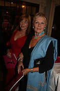Finty Williams and Dame Judy Dench, Dirty Dancing ,premiere: Aldwych Theatre, 49 Aldwych, London, WC2,24 October 2006. -DO NOT ARCHIVE-© Copyright Photograph by Dafydd Jones 66 Stockwell Park Rd. London SW9 0DA Tel 020 7733 0108 www.dafjones.com