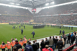 05.05.2012, Rhein Energie Stadion, Koeln, GER, 1. FC Koeln vs FC Bayern Muenchen, 34. Spieltag, im Bild Grosses polizeiaufgebot vor der Fankurve des FC Koeln // during the German Bundesliga Match, 34th Round between 1. FC Cologne and Bayern Munich at the Rhein Energie Stadium, Cologne, Germany on 2012/05/05. EXPA Pictures © 2012, PhotoCredit: EXPA/ Eibner/ Gerry Schmit..***** ATTENTION - OUT OF GER *****