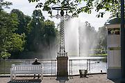 Kurpark, Weiher, Fontäne, Wiesbaden, Hessen, Deutschland | spa gardens, pond, fountain, Wiesbaden, Hesse, Germany