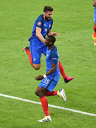 Olivier Giroud of France celebrates his goal with Paul Pogba of France  - Mandatory by-line: Joe Meredith/JMP - 10/06/2016 - FOOTBALL - Stade de France - Paris, France - France v Romania - UEFA European Championship Group A
