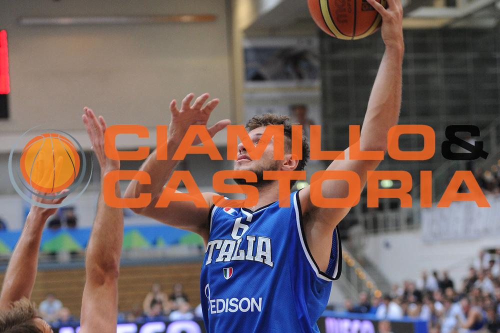 DESCRIZIONE : Trento Primo Trentino Basket Cup Finlandia Italia<br /> GIOCATORE : stefano mancinelli<br /> CATEGORIA : tiro<br /> SQUADRA : Finlandia Nazionale Italia Maschile <br /> EVENTO :  Trento Primo Trentino Basket Cup<br /> GARA : Finlandia Italia<br /> DATA : 25/07/2012<br /> SPORT : Pallacanestro<br /> AUTORE : Agenzia Ciamillo-Castoria/C.De Massis<br /> Galleria : FIP Nazionali 2012<br /> Fotonotizia : Trento Primo Trentino Basket Cup Finlandia Finlandia<br /> Predefinita :