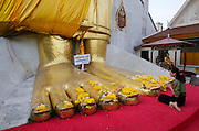 Wat Indraviharn (also called Wat In) houses Bangkok's largest standing Buddha.