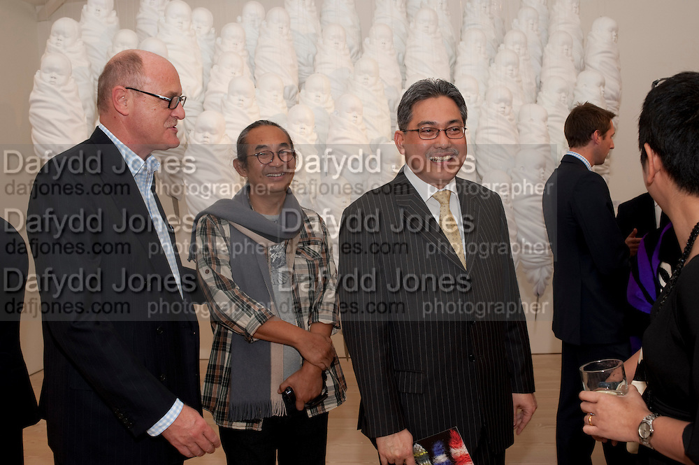 DAVID CICLITIRA; Haris Purnomo; Yuri O Thamrin; Indonesian Ambassador, Indonesian Eye Contemporary Art Exhibition Reception, Saatchi Gallery. London. 9 September 2011. <br /> <br />  , -DO NOT ARCHIVE-© Copyright Photograph by Dafydd Jones. 248 Clapham Rd. London SW9 0PZ. Tel 0207 820 0771. www.dafjones.com.