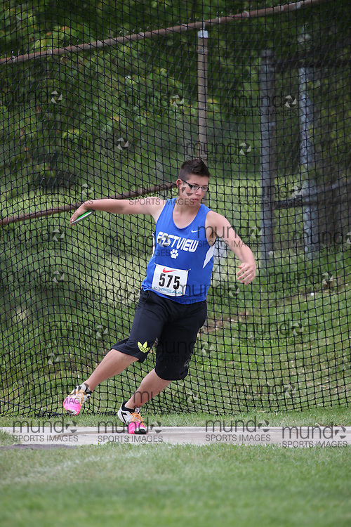 Darryl Ransier of Eastview SS - Barrie competes in the midget boys discus at the 2013 OFSAA Track and Field Championship in Oshawa Ontario, Thursday,  June 6, 2013.<br /> Mundo Sport Images / Sean Burges
