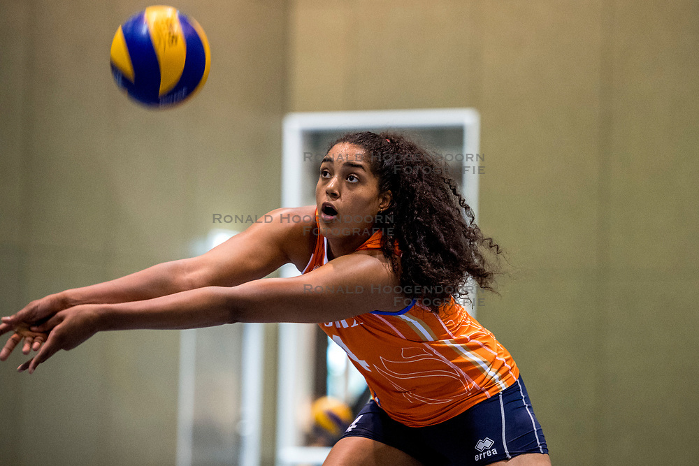 10-05-2018 NED: Training Dutch volleyball team women, Arnhem<br /> Celeste Plak #4 of Netherlands