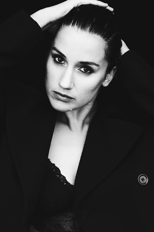 Actress Danica Curcic (©HEIN Photography)