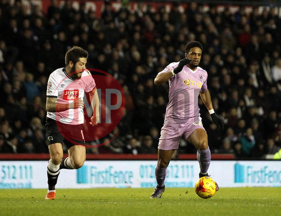Garath McCleary of Reading takes on Jacob Butterfield of Derby County - Mandatory byline: Robbie Stephenson/JMP - 12/01/2016 - FOOTBALL - iPro Stadium - Derby, England - Derby County v Reading - Sky Bet Championship