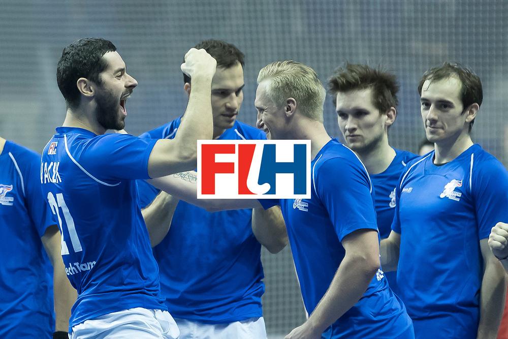 Hockey, Seizoen 2017-2018, 09-02-2018, Berlijn,  Max-Schmelling Halle, WK Zaalhockey 2018 MEN, Iran - Czech Republic 2-2 Iran Wins after shoutouts, David Vacek brings czech republic in the lead during shootouts.